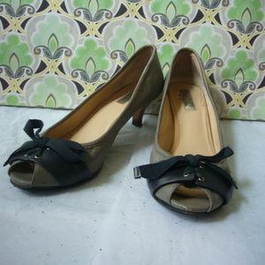 Halogen Nordstrom Gray Kitten Heel Pump - Size 8.5